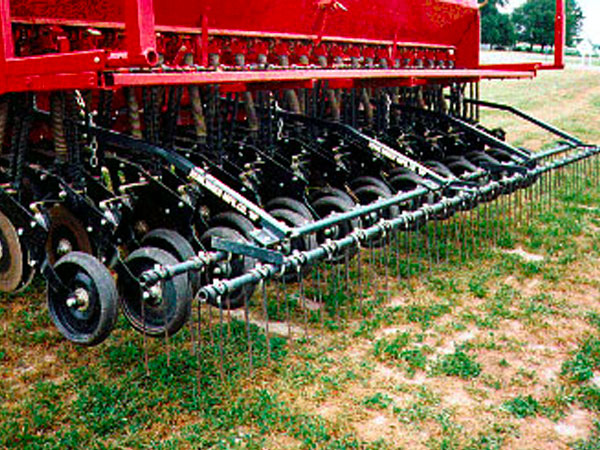 2-Bar tine harrow closeup