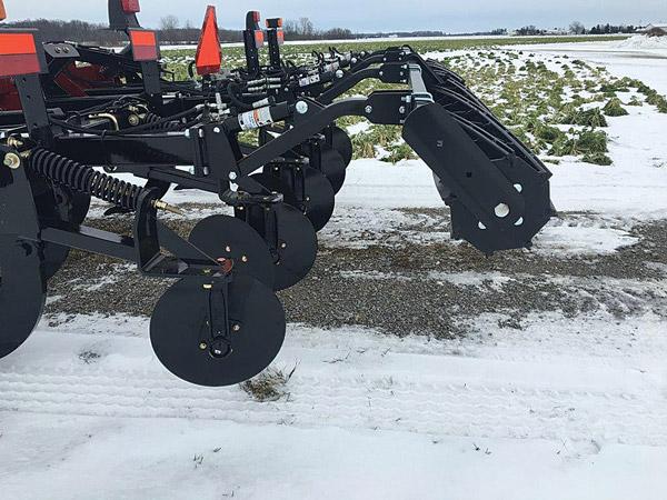 Hydraulic Roller Control Closeup